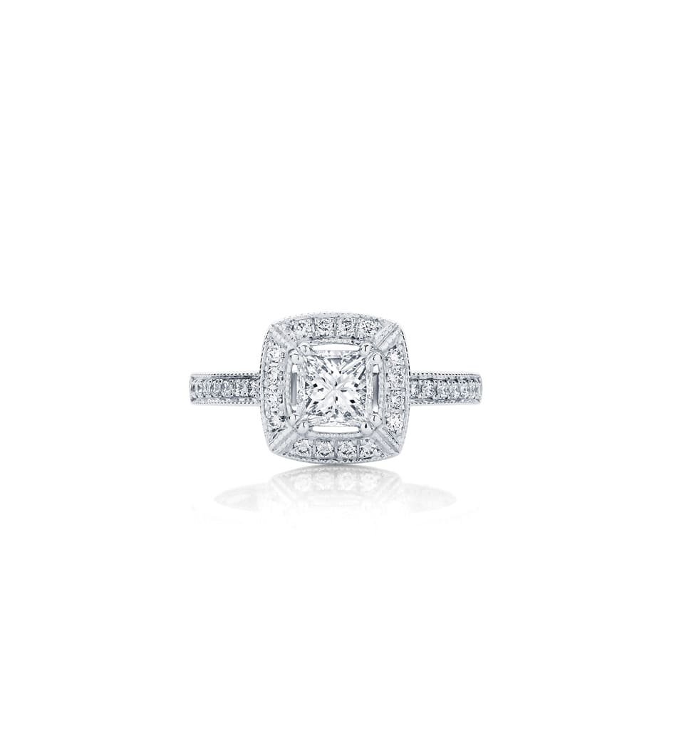 shape tapered shaped harry engagement winston classic stones rings masked with baguette diamond ring en pear side