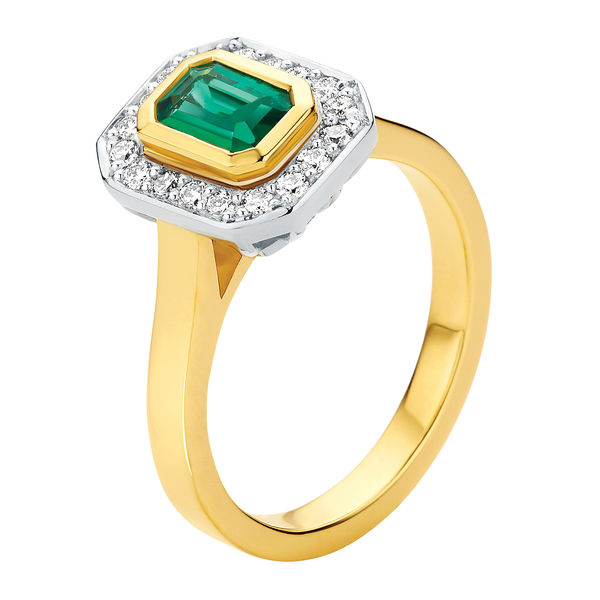 emerald other engagement ring yellow gold cleopatra