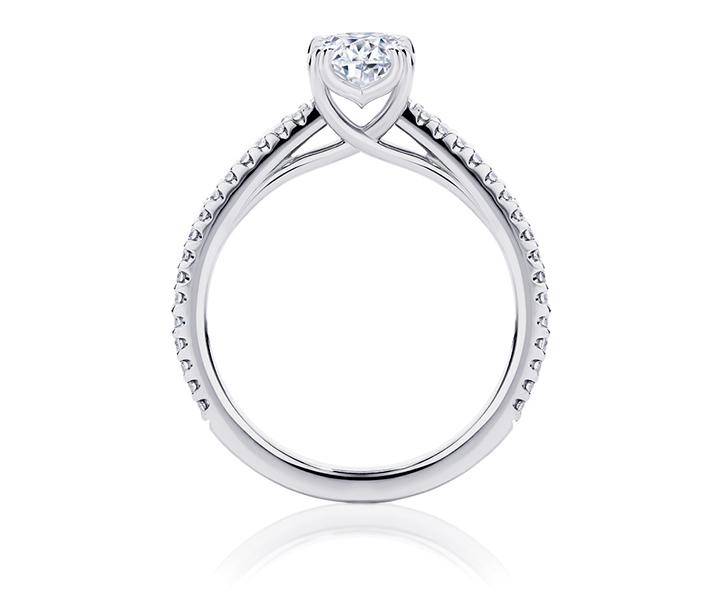 Bachelor Australia 2017 diamond ring for Matty J