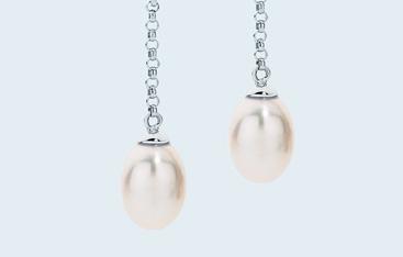 jewellery pearl