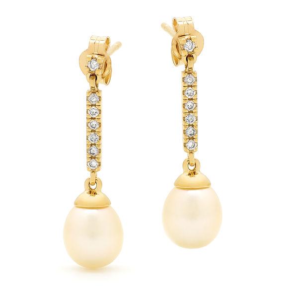Diamond Pearls Earings