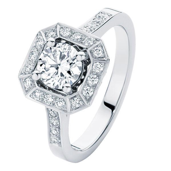 Tesoro White Gold Engagement Ring