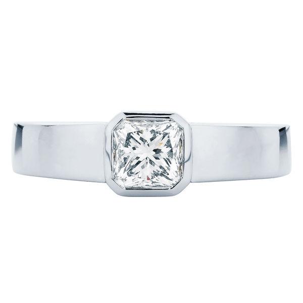 Tzarina Platinum Engagement Ring