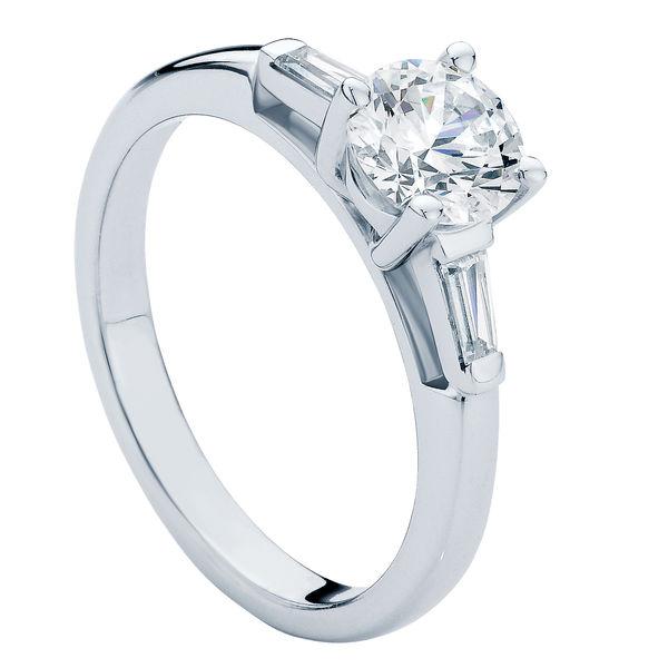 Willow Brilliant Platinum Engagement Ring