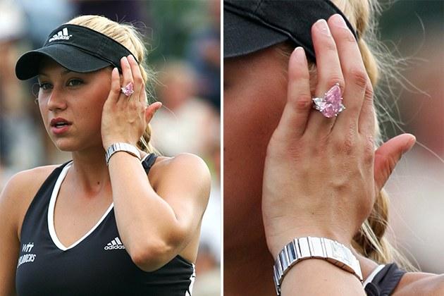 Anna Kournikova's pink engagement ring