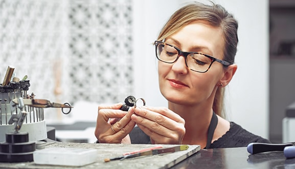 High quality engagement rings locally made in Sydney