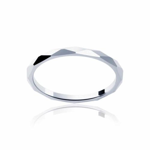 Womens Classic Platinum Wedding Ring Fine Faceted