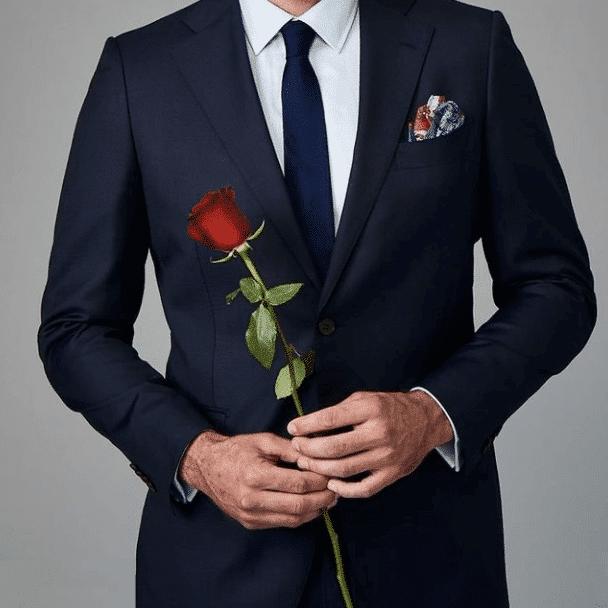 bachelor holding final rose