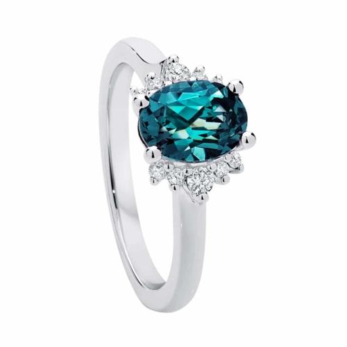 Oval Side Stones Dress Ring Platinum   Nouvelle Lune